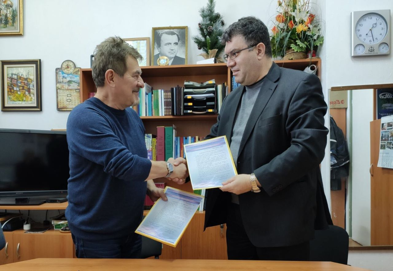 """С нов международен договор на Фондация """"Проф. д-р Минко Русенов"""" се подкрепя привличането през 2020 год. на македонски студенти в Свищов (06.02.2020 г.)"""